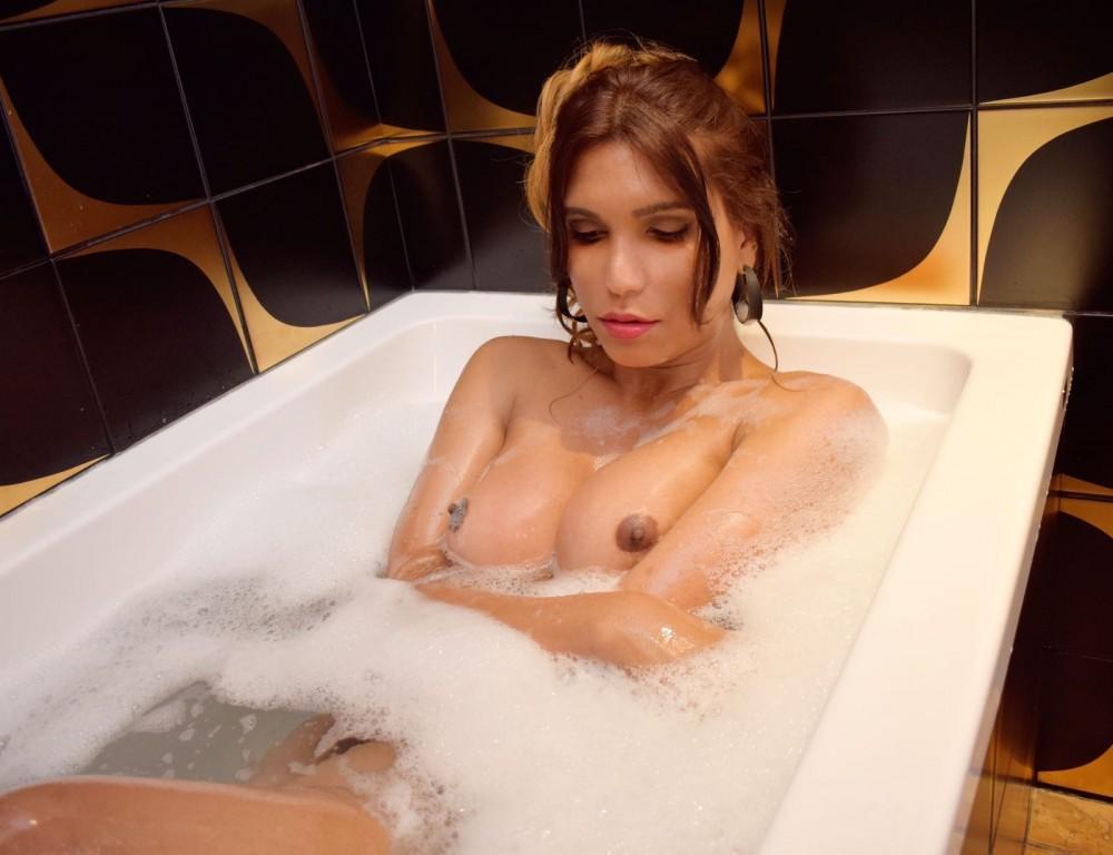 Paloma Mello  - Transsexuelle Paris - 0689934762