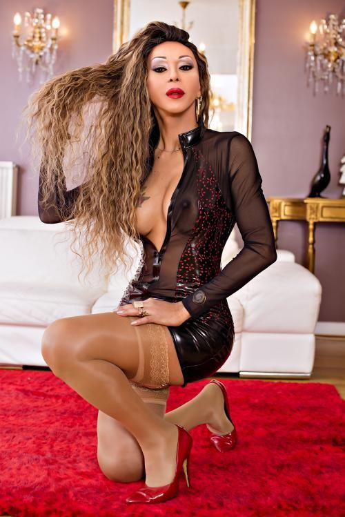 camily trans big dick - Transsexuelle Paris 16eme - 0637819880