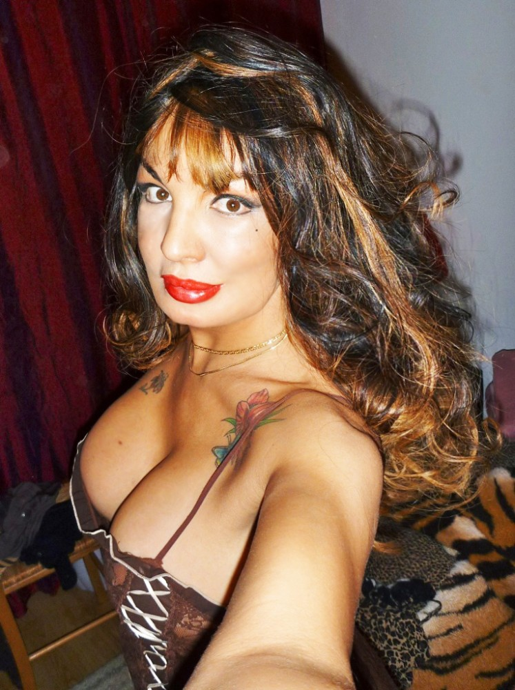 VENUSIA - Transsexuelle Paris 5eme - 0695447264