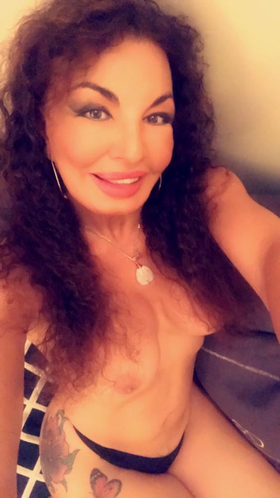 VENUSIA - Transsexuelle Paris 5eme - 0695447264