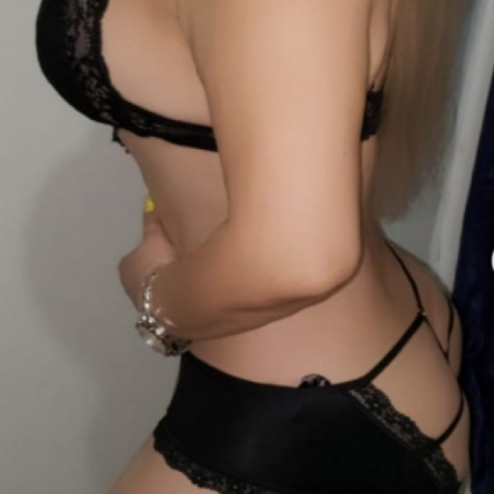 Paola Belle Blonde  - Escort trans Paris