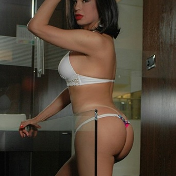 ANDRESSA PRADO  - Transsexuelle France - +33758121886